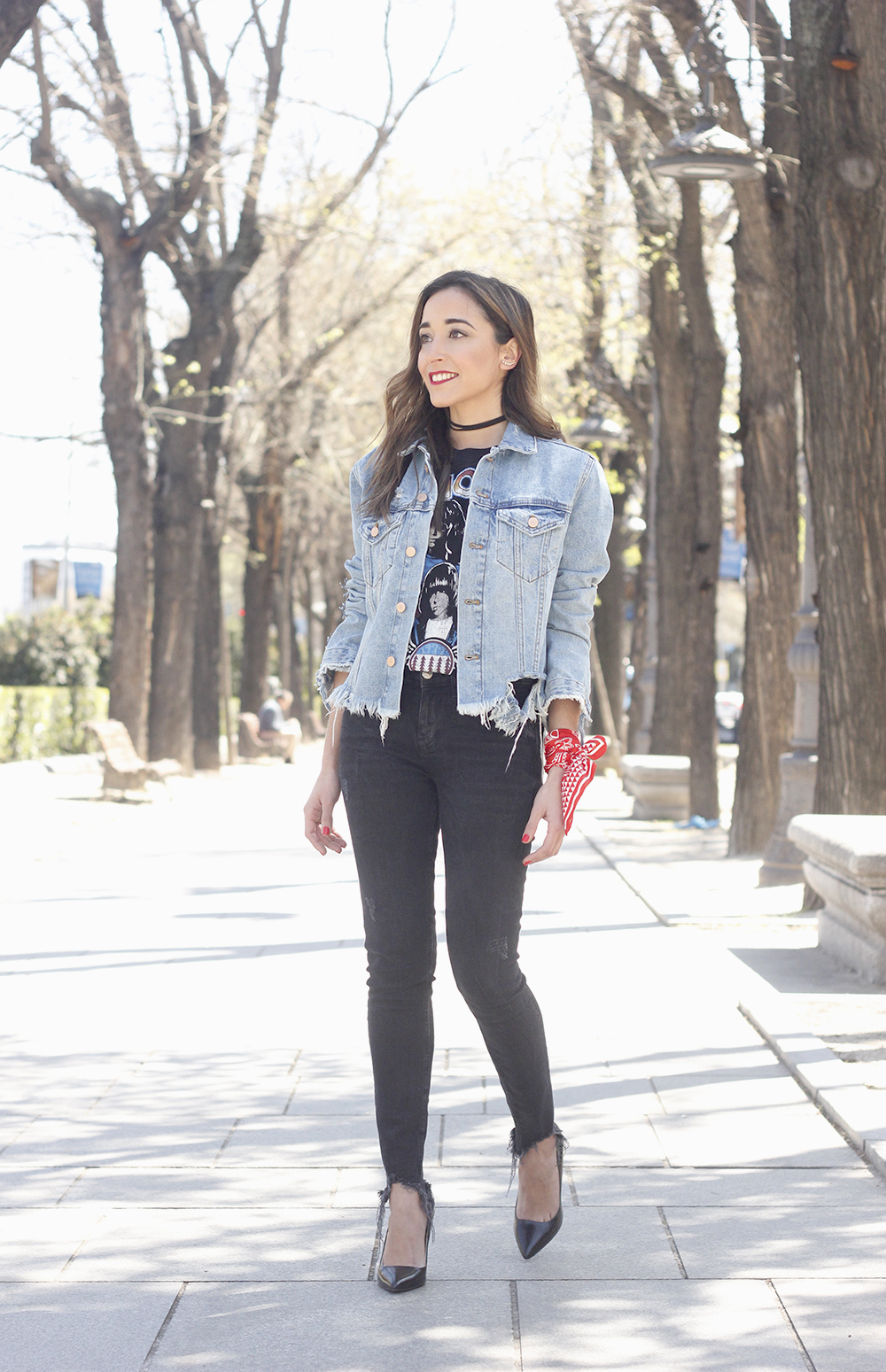Ripped denim jacket black jeans ramones t-shirt heels style outfit fashion06