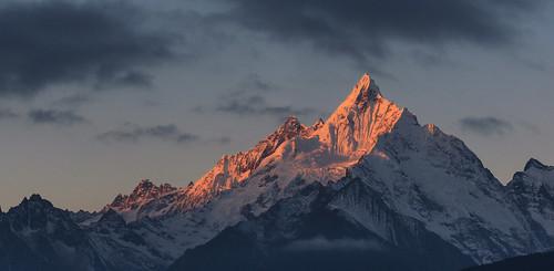 Sunrise Over Mianzimu Peak, Meili Snow Mountain ...
