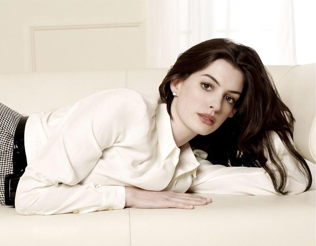 Celebrity Anne Hathaway Hd Wallpaper 39 From Zontersco