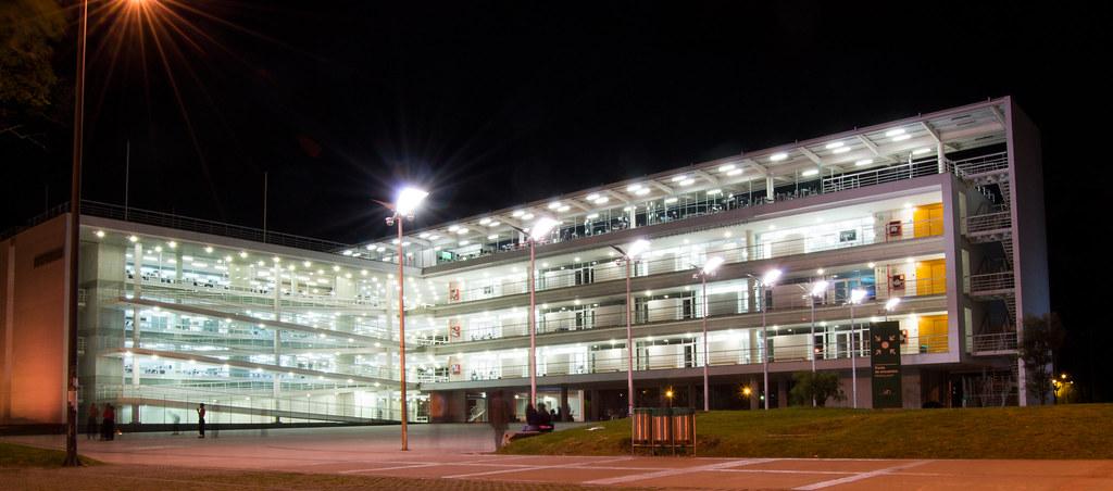 Edificio de Ciencia y Tecnología Luis Carlos Sarmiento Ang…  Flickr