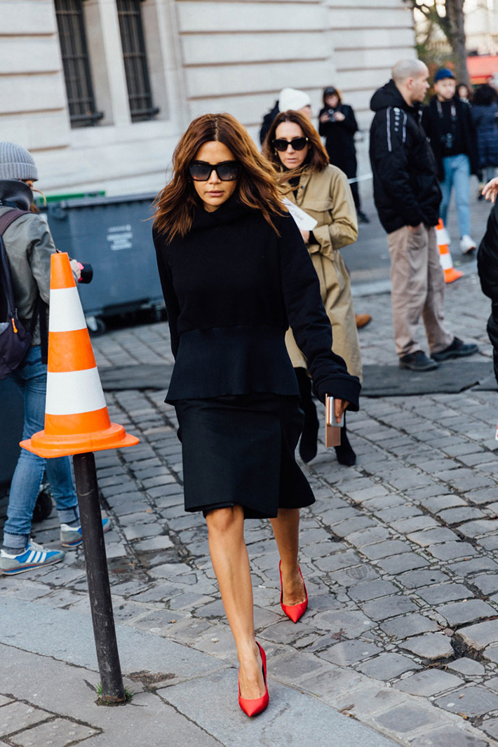 Paris fashion week street style outfit inspiration accessories fashion trend style14