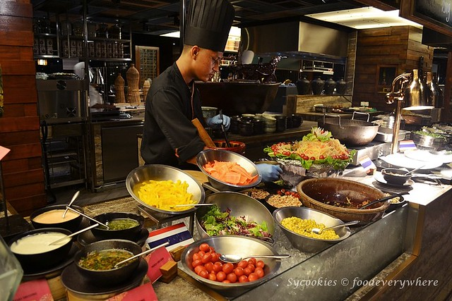 15.Absolute Thai Buffet Dinner at Doubletree Hilton KL