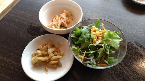 「台湾料理故宮」のランチのサラダなど