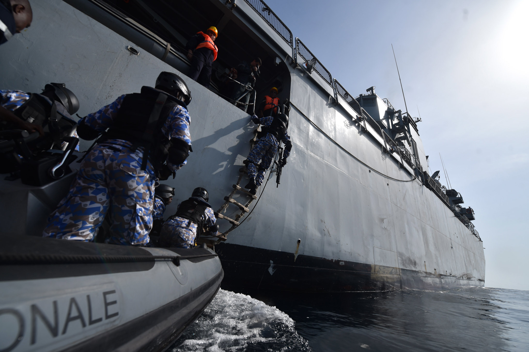 Royal Moroccan Navy Floréal Frigates / Frégates Floréal Marocaines - Page 12 33733730285_0987bd3c9f_k