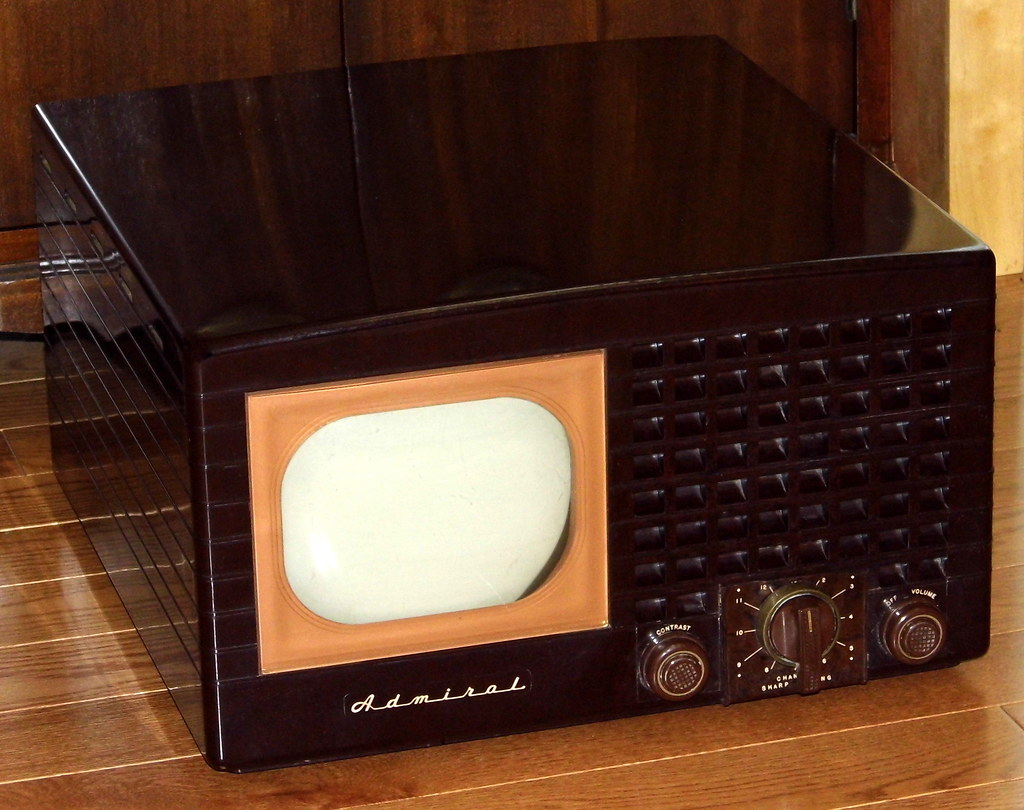 Auctions In Ohio >> Vintage Admiral Television, Model 19A1, 7 Inch Black & Whi… | Flickr