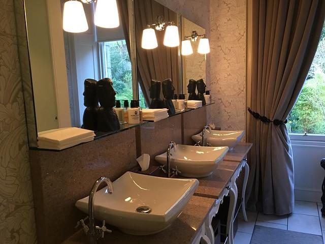 Michelin 034 21212 ladies toilet