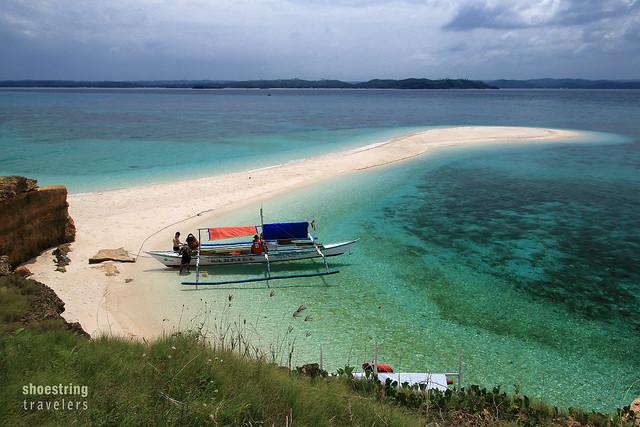 the sandbar at Tinalisayan Island