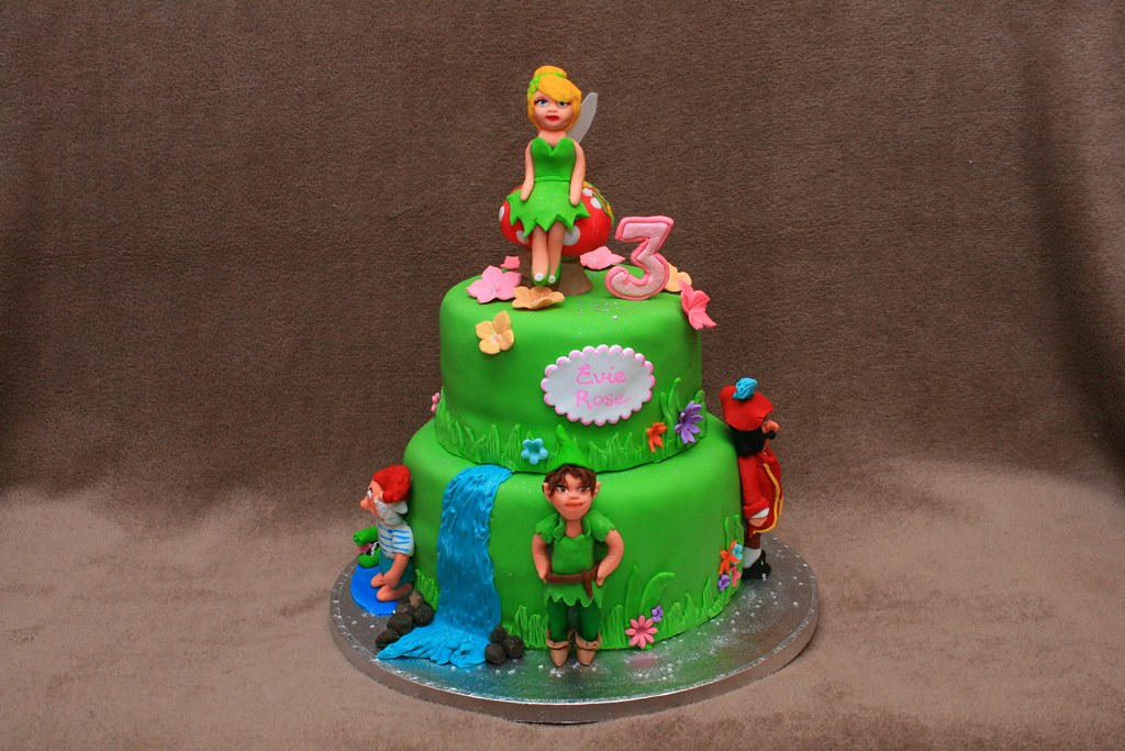 Tinkerbell And Peter Pan Cake Eldriva Flickr