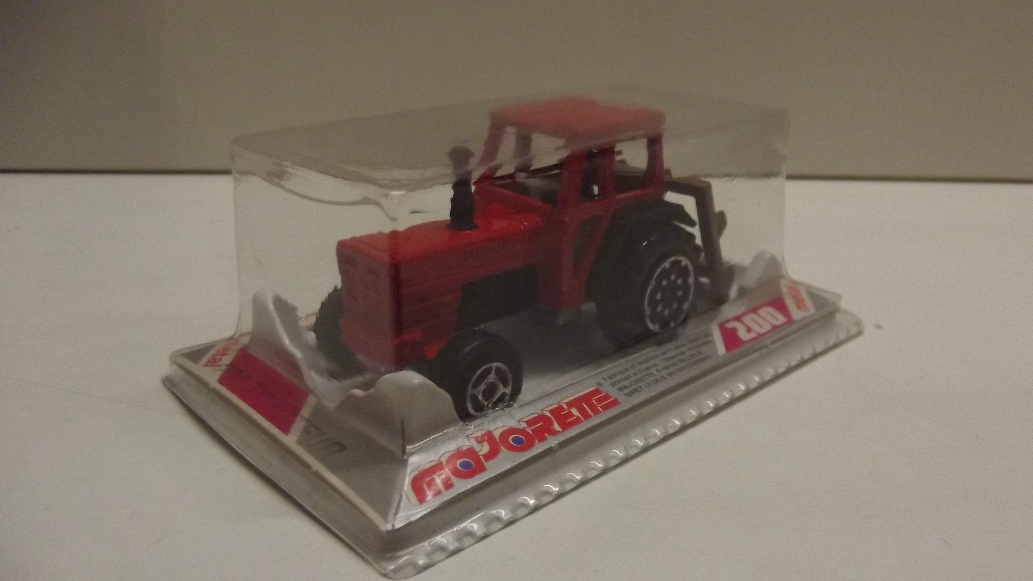 N°208 tracteur 32783875510_a83e91abc6_k