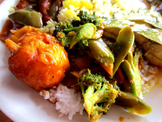 Noor Satay sambal egg & broccoli