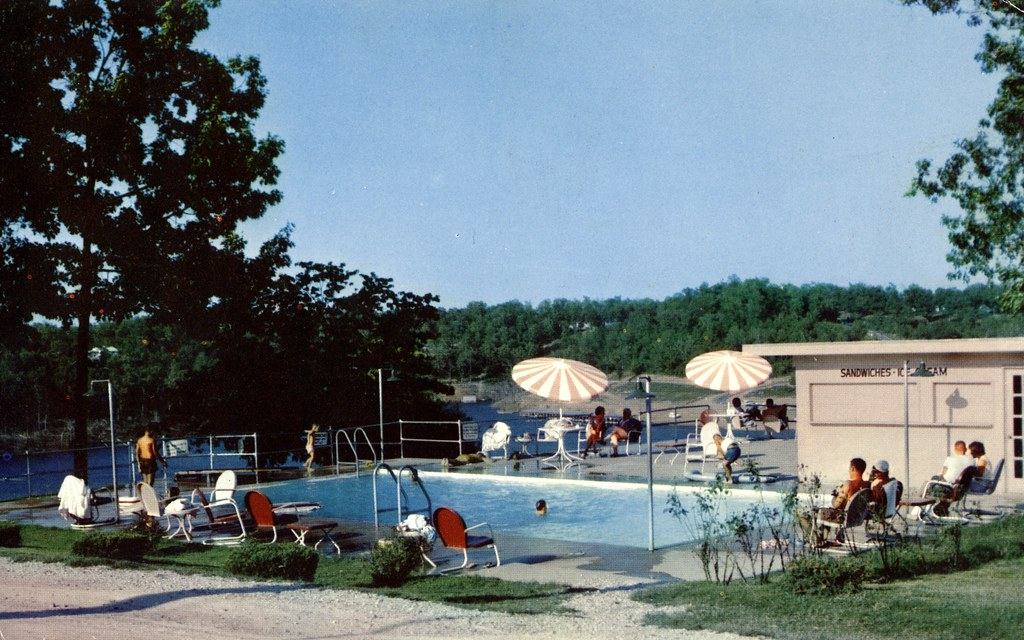 Crow-Barnes Resort - Bull Shoals, Arkansas