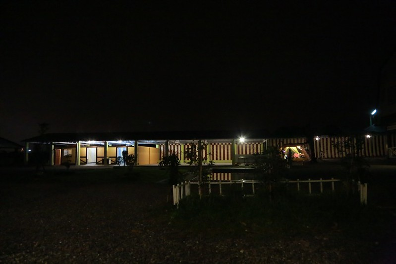 夜間的營區