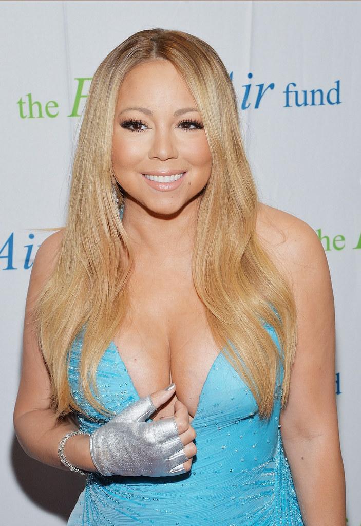 Mariah Carey Cleavage naked 364