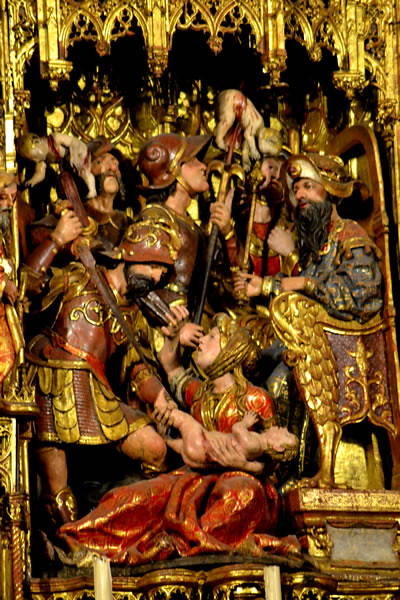 Una de las 44 escenas del retablo. La matanza de los inocentes.