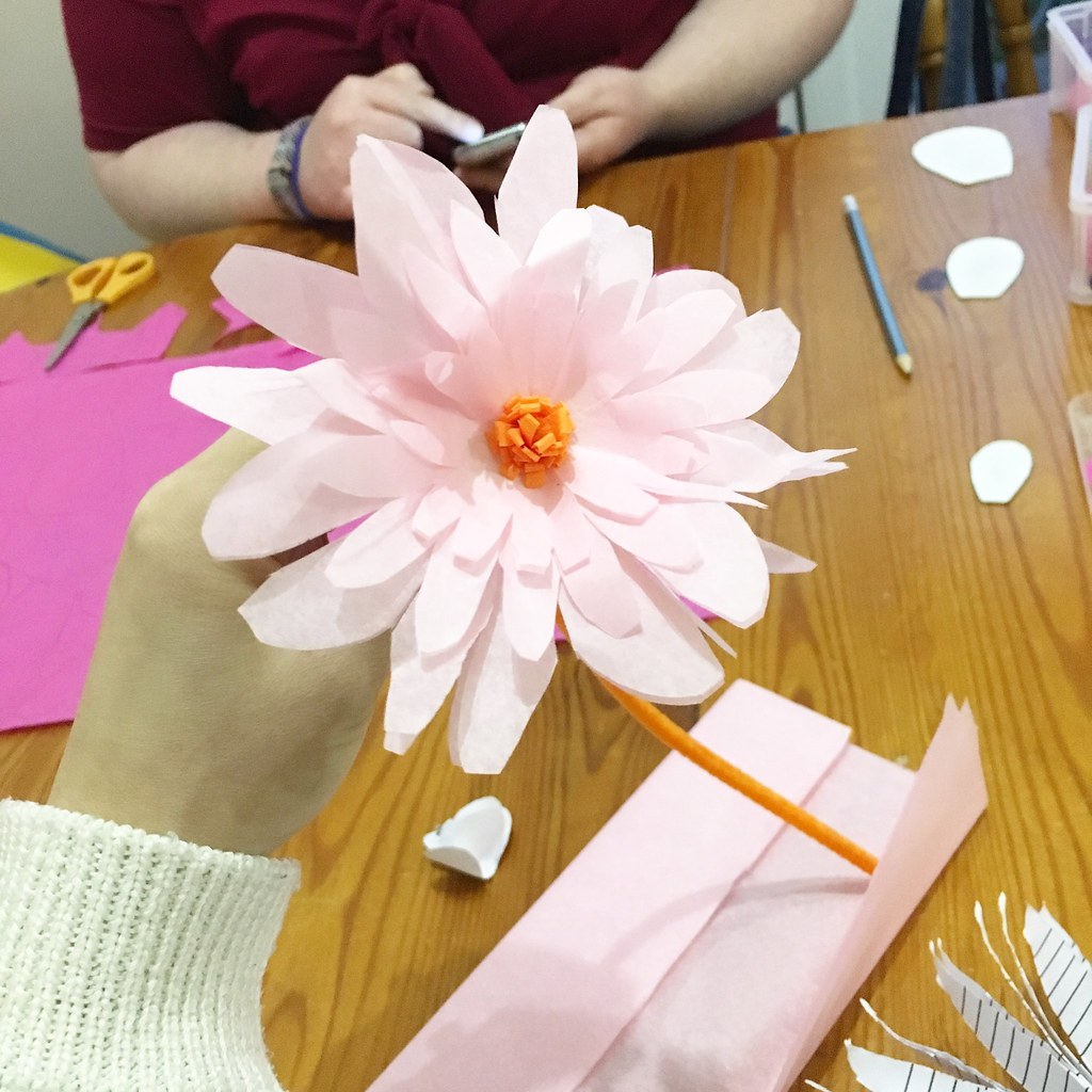 paper flower making - small pink