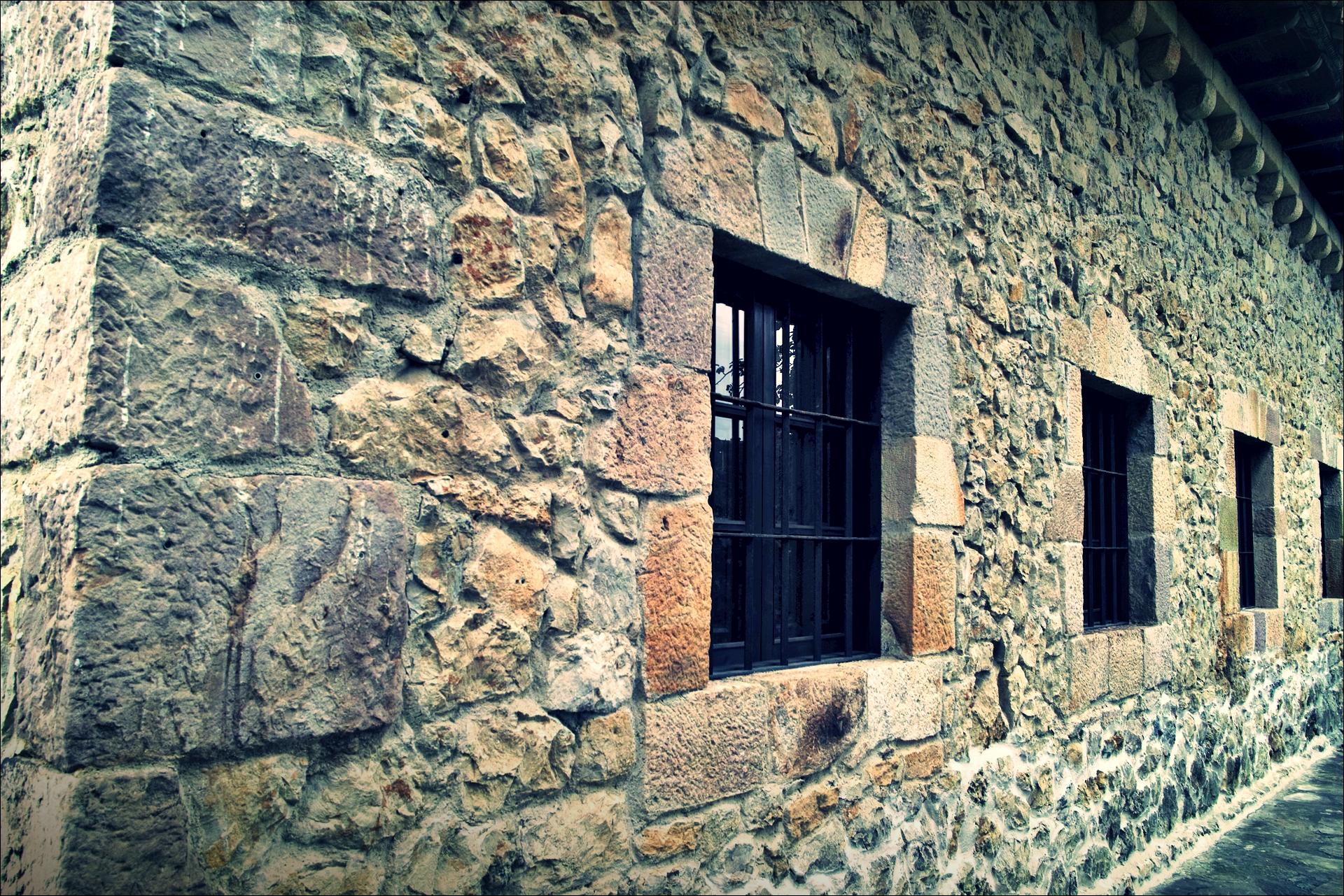 돌 집-'산티야나 델 마르(Santillana del Mar, Spain)'