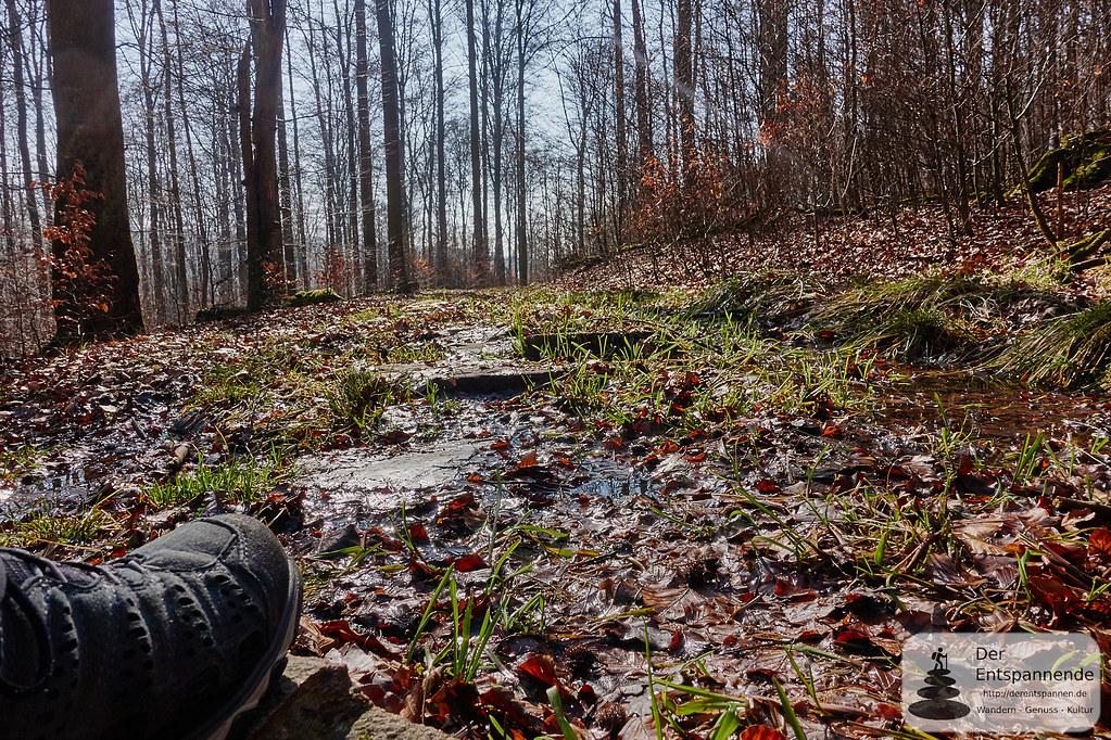 Wasser fließt über den Trauntal-Höhenweg