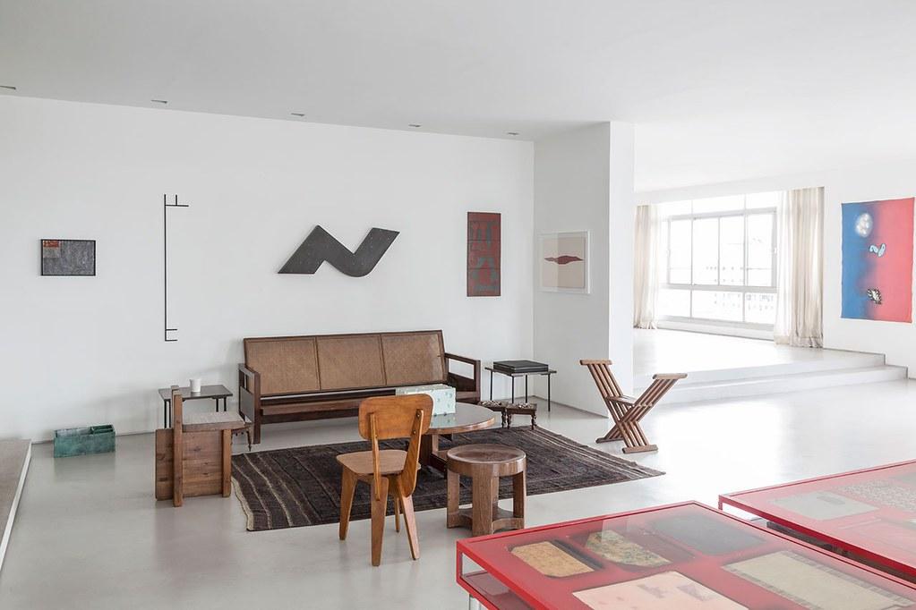 Apartment art in São Paulo by Brazilian architect Felipe Hess Sundeno_17