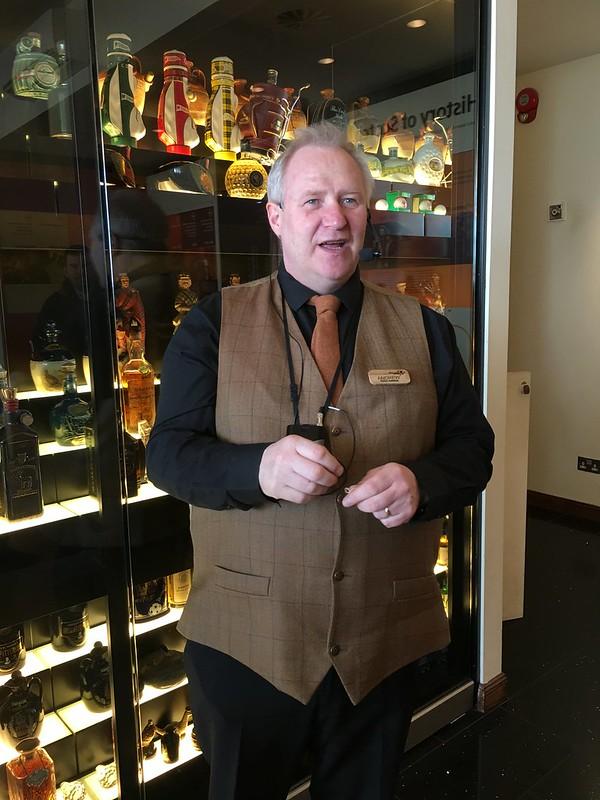 edinburgh 122 Scotch whisky tour guide