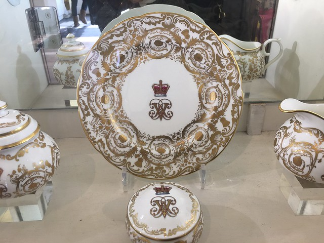 plate collection, white and gold, Holyrood
