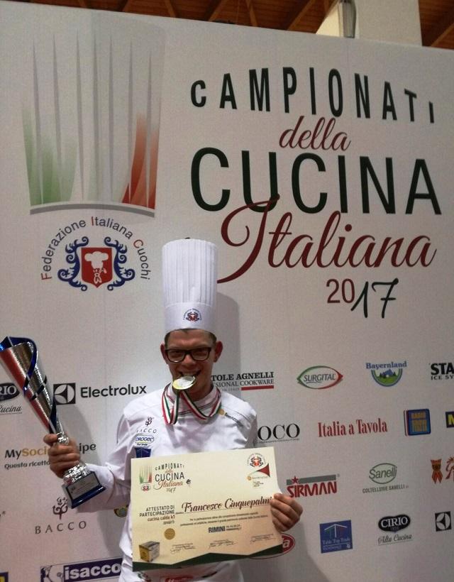 Noicattaro. Lo chef Francesco Cinquepalmi intero1