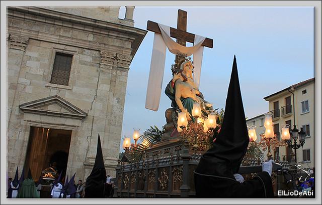 Procesión del Santo Entierro en la Semana Santa de Briviesca 2017 19