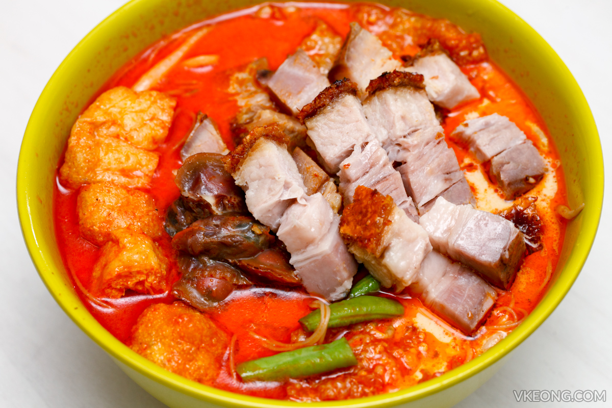 Chef K Roast Pork Curry Mee