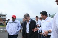 Presidente Santos inspecciona situación de alarma en Manizales