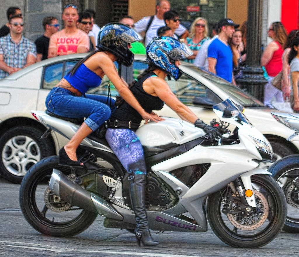 Naked girls on sportbikes