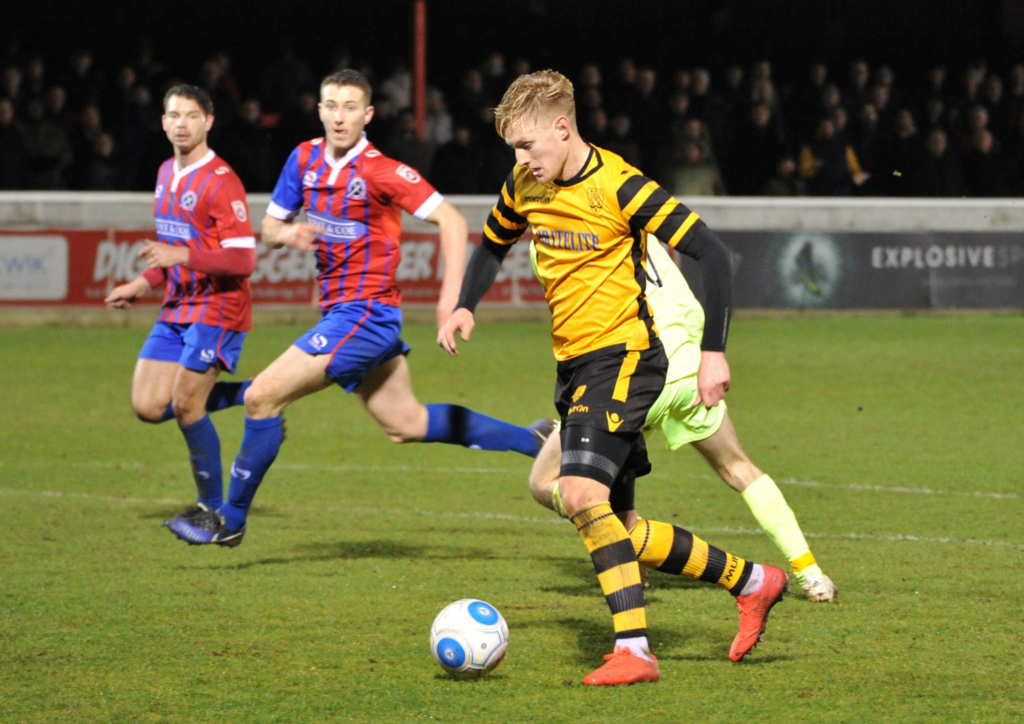 Dagenham & Redbridge v Maidstone United 188
