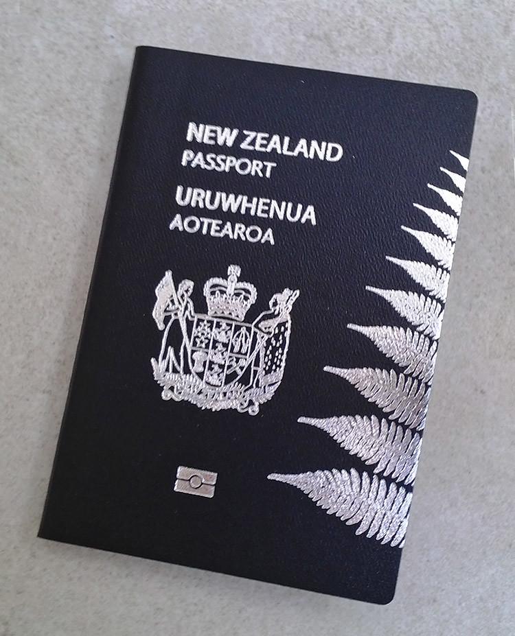 Der neuseeländische Pass mit Silver Fern