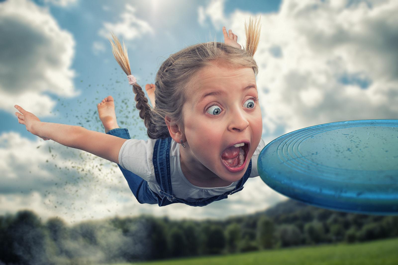 Un tată creativ realizează aceste fotografii geniale împreună cu copiii săi