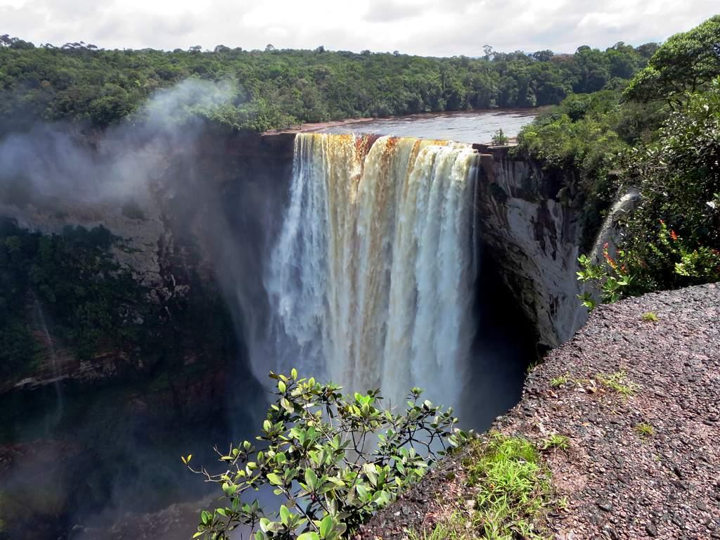 Afbeeldingsresultaat voor kaieteur falls