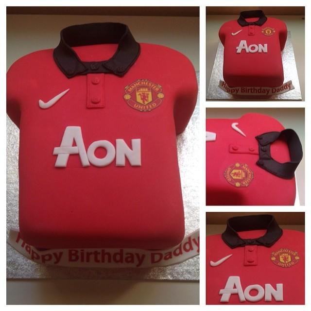 Liverpool Jersey Cake