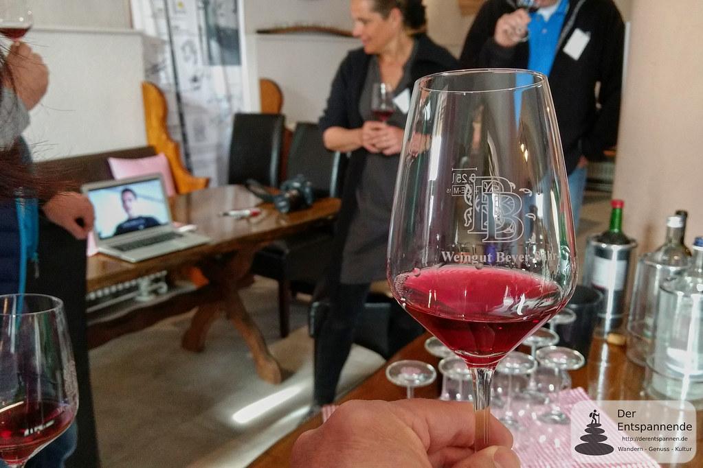 Weinprobe mit Schweizer Wein im Weingut Beyer-Bähr