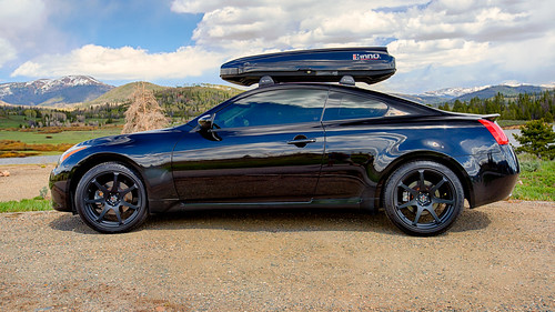 g37x coupe with cargo box my g37x coupe with inno shadow 1 flickr. Black Bedroom Furniture Sets. Home Design Ideas