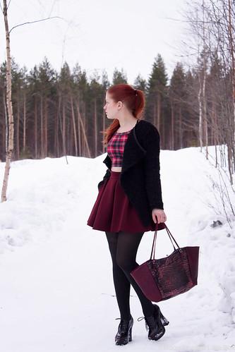 Fashionblogger Styleblogger fashion lifestyle style ootd outfit bag Ompelimo Rokita Seppälä Sixth June DefShop Oroblu Pleaser Maison scotch alpakkaneule Pleaser kengät korkokengät shoeholic bloggerstyle tyyliblogi muoti blogi lifestyle suomi