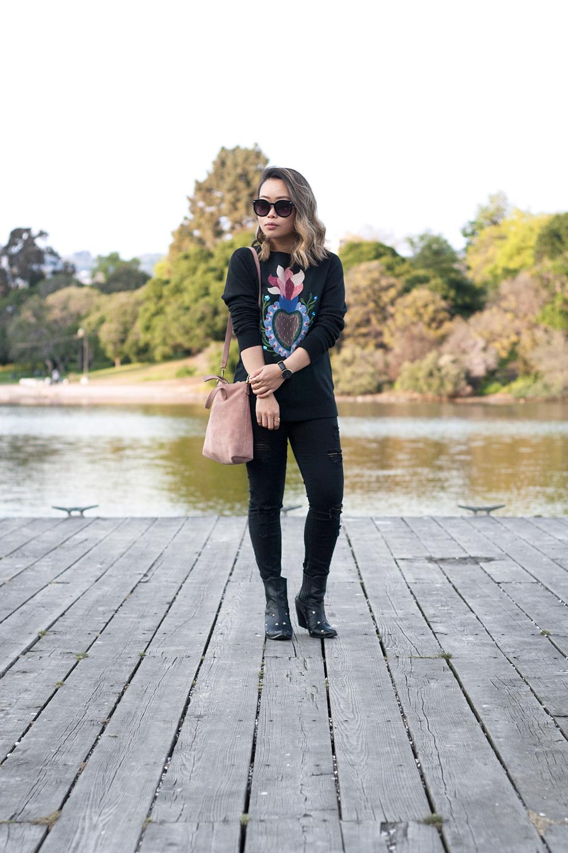 05valentino-graphic-sweatshirt-fashion-style
