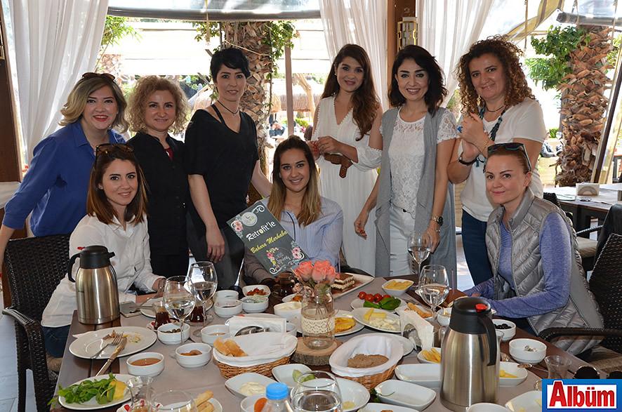 Üyelerden Zehra Özdemir ve Hacer Taç'ın doğum günü de kutlandı