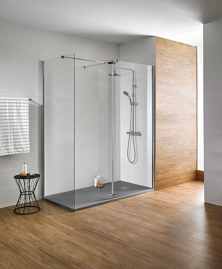 Elegant glass shower Walk-in N by Burgos-based Cerámicas Gala Sundeno_04