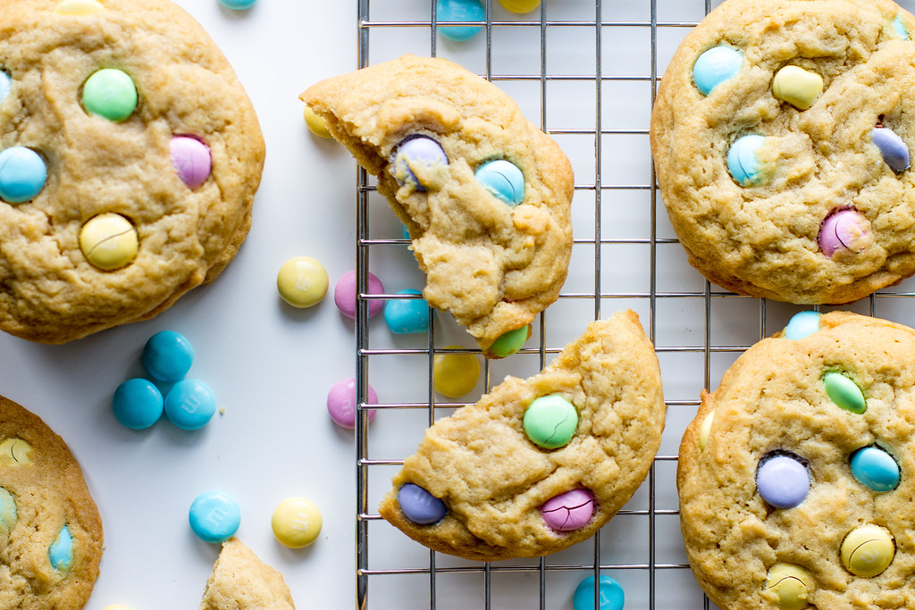 Classic pudding cookies are soft, chewy, and oh-so-cheerful!