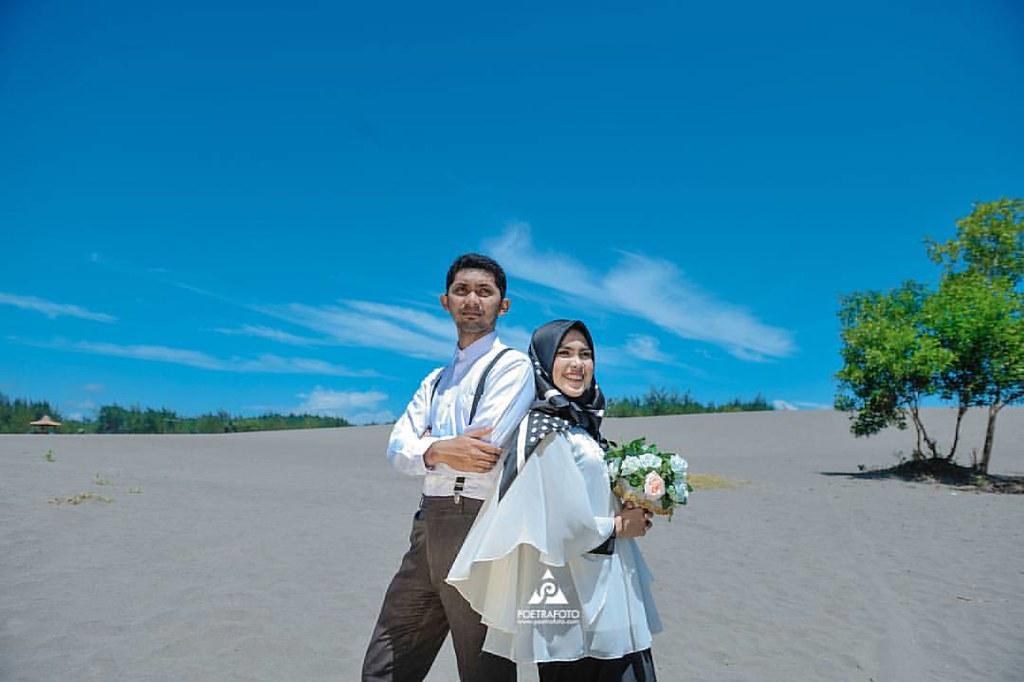 Foto Prewedding Outdoor Konsep Simpel Hijab Casual Bu U2026 Flickr