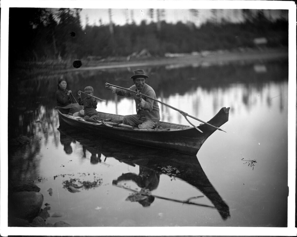 Kwakiutl family in canoe VPL 14059 | Quatsino Indian ...