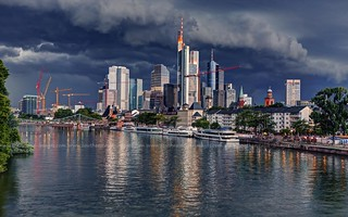 Incoming Storm / Frankfurt am Main / Germany | by I Prahin | www.southeastasia-images.com