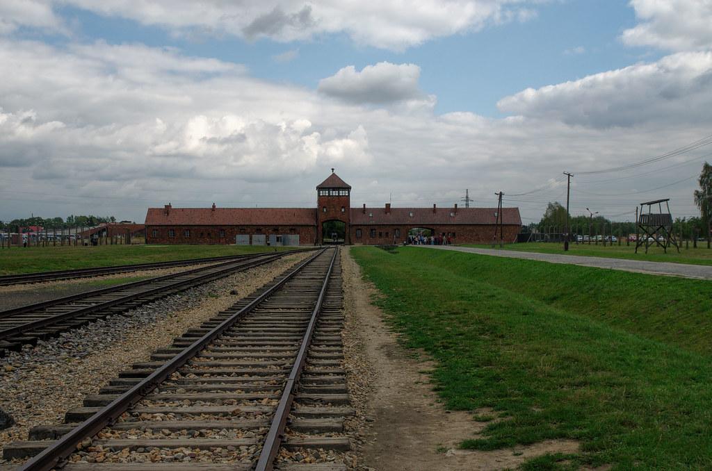 campo de concentracion auschwitz   diego delgado lozano   flickr