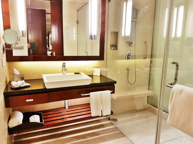 Courtyard By Marriott Satellite 03 - Bathroom