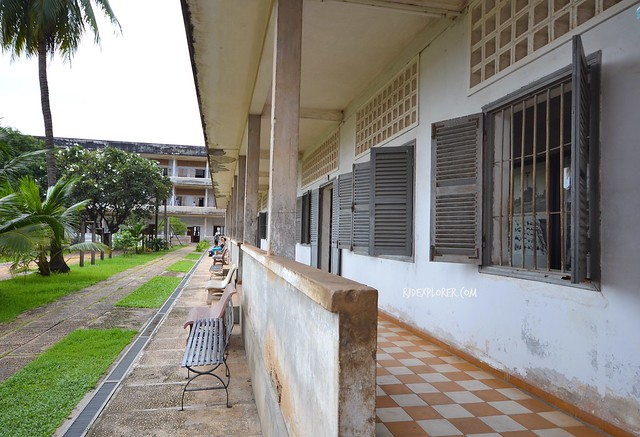 tuol sleng genocide museum building b