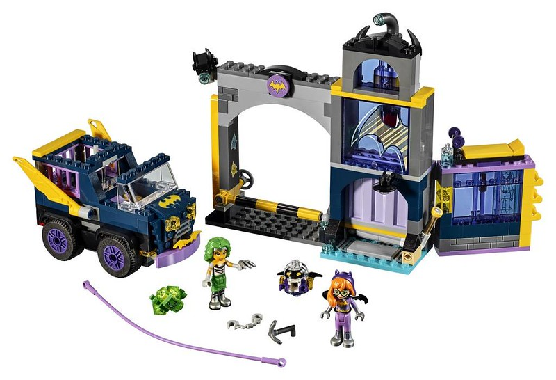 LEGO DC Super Heroes Girls Batgirl Secret Bunker (41237)