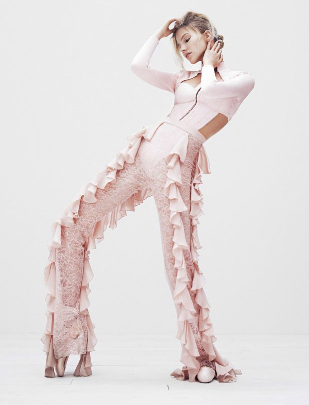 Sasha-Luss-Vogue-Japan-Steven-Pan-08-620x813