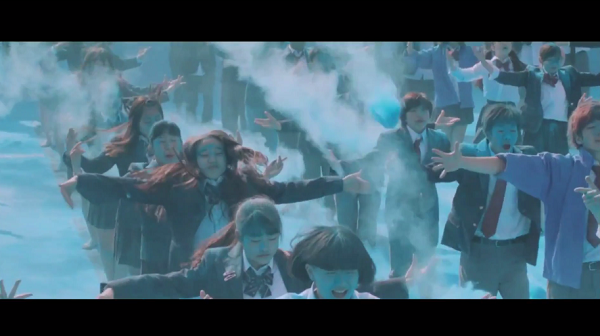 【動画】ポカリスエットの新CM「踊る始業式」篇 八木莉可子が300人とコラボダンス!